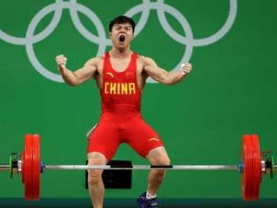 龙清泉图片 举重56公斤级打破世界纪录